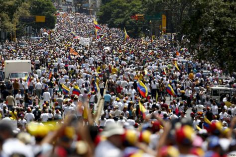 Anti-government demonstrations (Photo: Reuters)