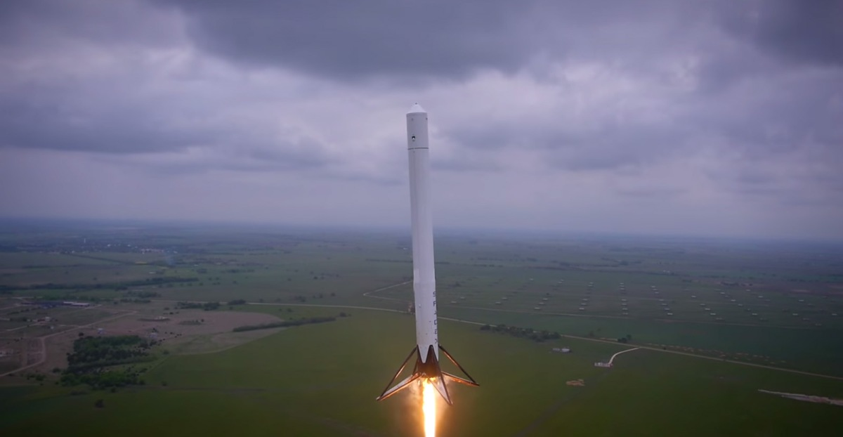 Sophisticated Spacecraft: SpaceX's Falcon 9 Reusable Successful Test Flight (Video)